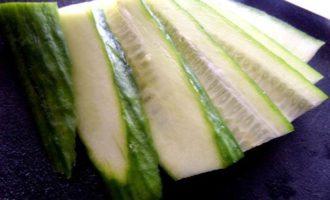 Салат с молодой картошкой и ветчиной