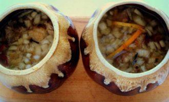 Свинина с апельсинами в горшочке