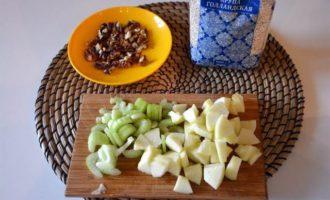 Салат с перловой крупой в клюквенном сиропе