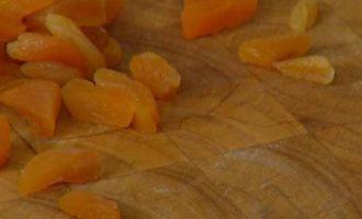 Треска в кленовом сиропе под соусом из кураги