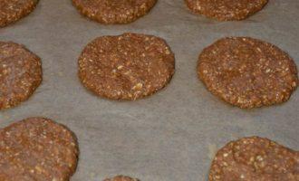 Овсяно-гречневое печенье на ржаной патоке