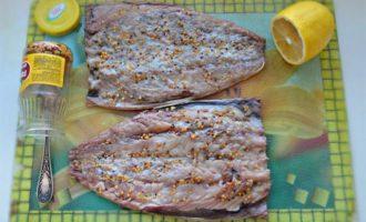 Запеченная скумбрия с орехово-сырной начинкой