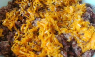 Фаршированные перцы с мясом, фасолью и сыром