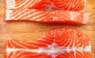 Филе сёмги с брокколи по-японски