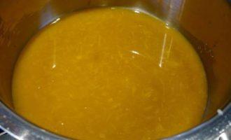 Апельсиновый пирог с белым шоколадом и клюквой