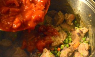 Мясо, тушенное в томатном соусе