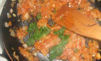 Хек, запеченный с рисом в горшочке