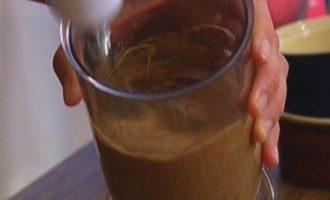 Хлебный пудинг с черносливом и изюмом
