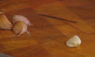 Цукини с моцареллой и чесночным соусом
