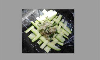 Рыбное филе в мешке из цукини