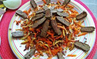 Печенка с овощами и гречкой