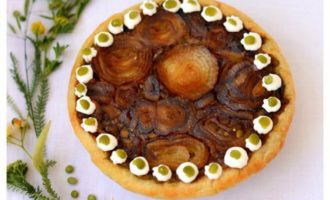 Луково-гороховый пирог