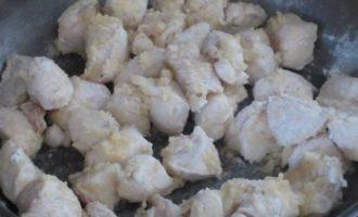 Филе индейки под сливочным соусом с грибами