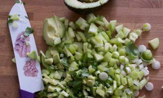 Измельченный зеленый салат
