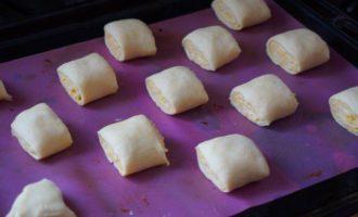Сдобные булочки с сыром