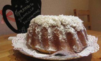Кокосовый кекс с кокосовой глазурью