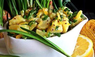 Лимонный картофель с луком