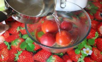 Томатно-вишневый гаспачо в стаканах