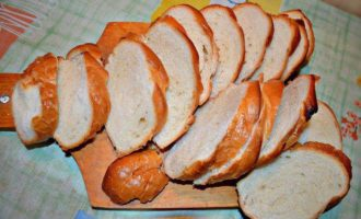 Запеканка из цукини с хрустящими гренками к завтраку
