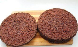 Шоколадно-брусничный торт