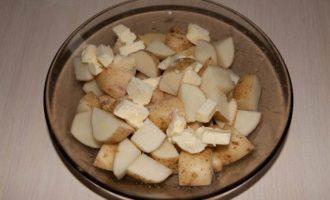 Горшочки с молодой картошкой