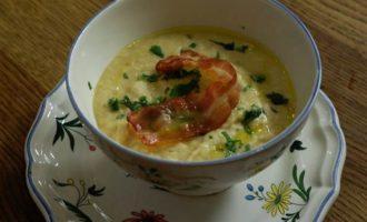 Суп из нута с беконом и розмарином