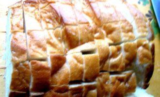 Сырный хрустящий батон с чесноком