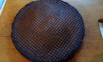 Шоколадный торт без муки с клюквой