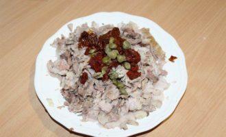 Террин из свиной рульки с каперсами и вялеными томатами