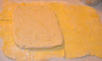 Торт Наполеон на слоеноем тесте