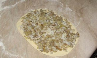 Псковский пирог с солеными грибами, постный