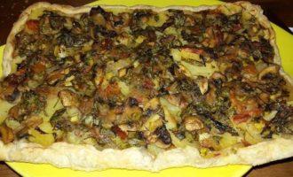 Открытые постные пироги с картофелем, грибами и щавелем