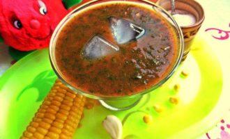 Томатно-шпинатный напиток