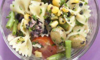 Салат из бантиков