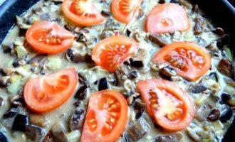 Фриттата из баклажанов с грибами