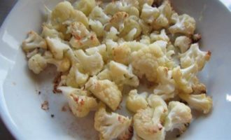 Цветная капуста, запеченная под сырно-горчичным соусом