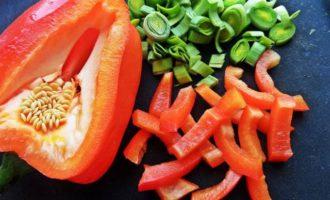 Праздничный салат с пастой