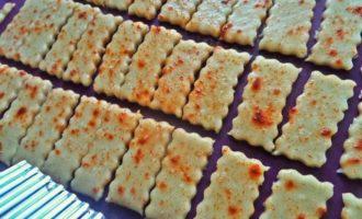 Постные крекеры, сладкие и соленые
