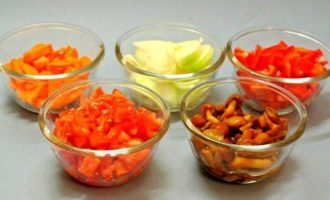 Курица с овощами по-домашнему