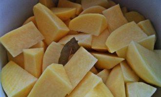 Картофель с чесноком