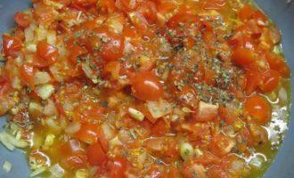 Тефтели из индейки с моцареллой в томатном соусе