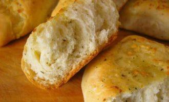 Мягкие чесночные булочки